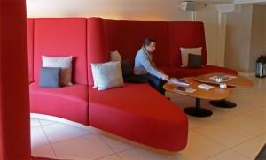 Im Foyer des Hotels Nevai in Verbier herrscht Designer-Atmosphäre
