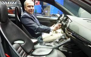Mazda-Suisse-PR-Direktor Giuseppe Loffredo im Mazda Minagi
