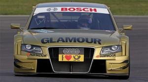Mit dem goldenen Fahrzeug sorgt Rahel Frey in der DTM für einen Farbtupfer. Sportlich sind erste Punkte das Ziel.