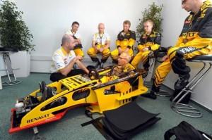 Zum Formel-1-Fahren gehört eine Einweisung und Fahren im Formel Renault.
