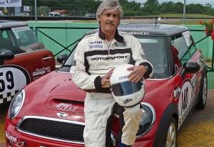 Erfolgreicher MINI Challenge-Gaststart für Stefan Lüscher: Rang 6 beim Sprint – mit 16 Hundertstel Rückstand auf Rang 2!