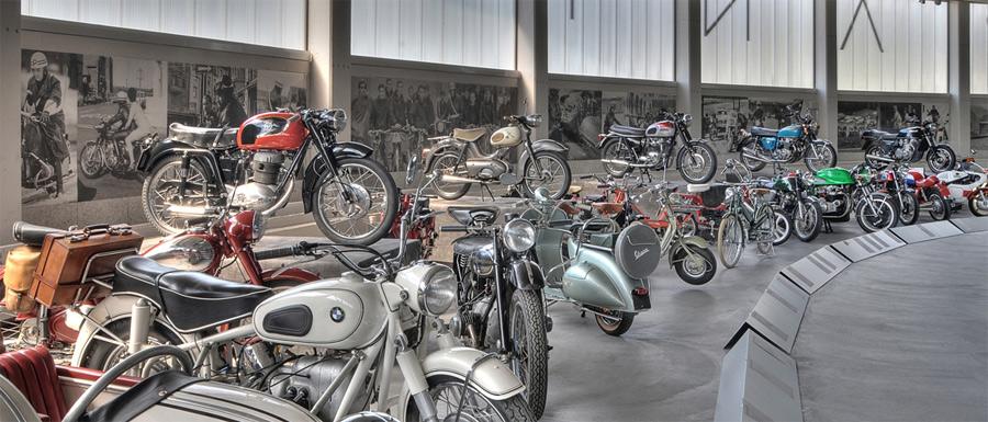 180 Exponate erzählen im Pantheon Basel die Geschichte des Zweirads