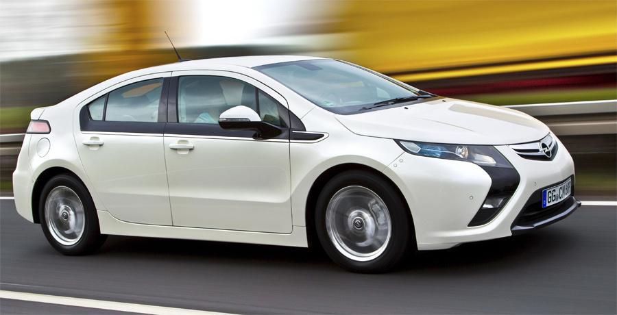 Der elektrische Opel Ampera fühlt sich beim Fahren so an, wie er aussieht: innovativ und zukunftsweisend