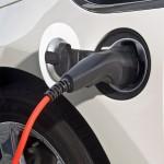 Je nach Stromstärke dauert das vollständige Laden des Opel Ampera 4 bis 12 Stunden.