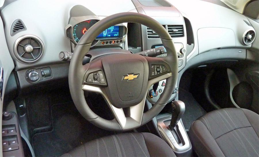 Das Interieur des Chevrolet Aveo wirkt frisch und jugendlich.