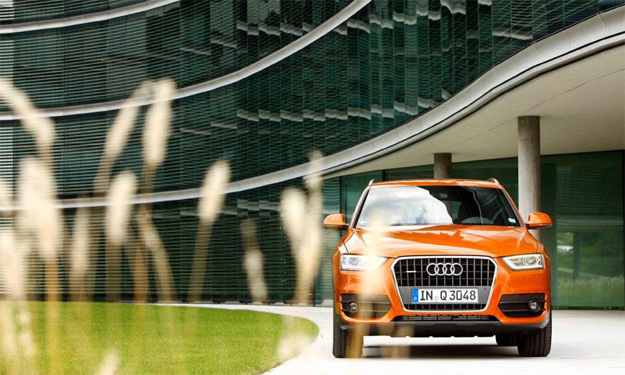 Mit LED-Tagfahrlicht und dem Audi-Gesicht fügt sich der Q3 perfekt in die Familie ein.