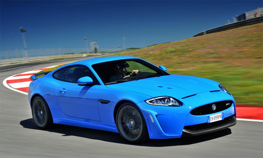 Mit seinen 550 PS ist der neue Jaguar XKR-S in allen Belangen ein sehr potenter Sportwagen.