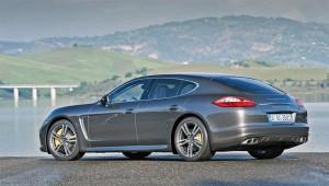 Der Porsche Panamera hat im Segment der Luxusfahrzeuge die Fürhung übernommen.