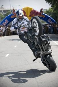 Stuntshow auf dem Bike von Chris Pfeiffer.
