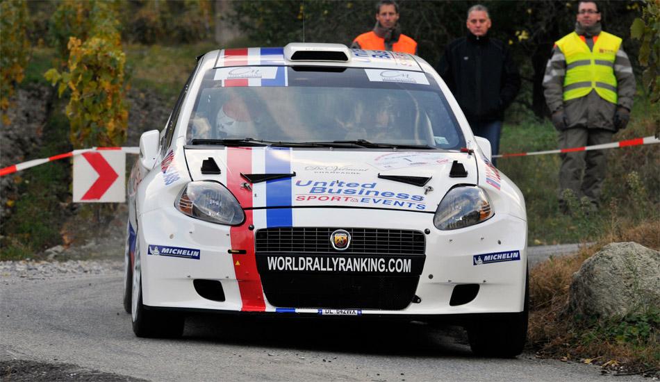 Vorjahressieger Luca Rossetti (I, Abarth Grande Punto S2000) konnte seinen EM-Titel dank Bonuspunkten schon am ersten Rallyetag verteidigen.