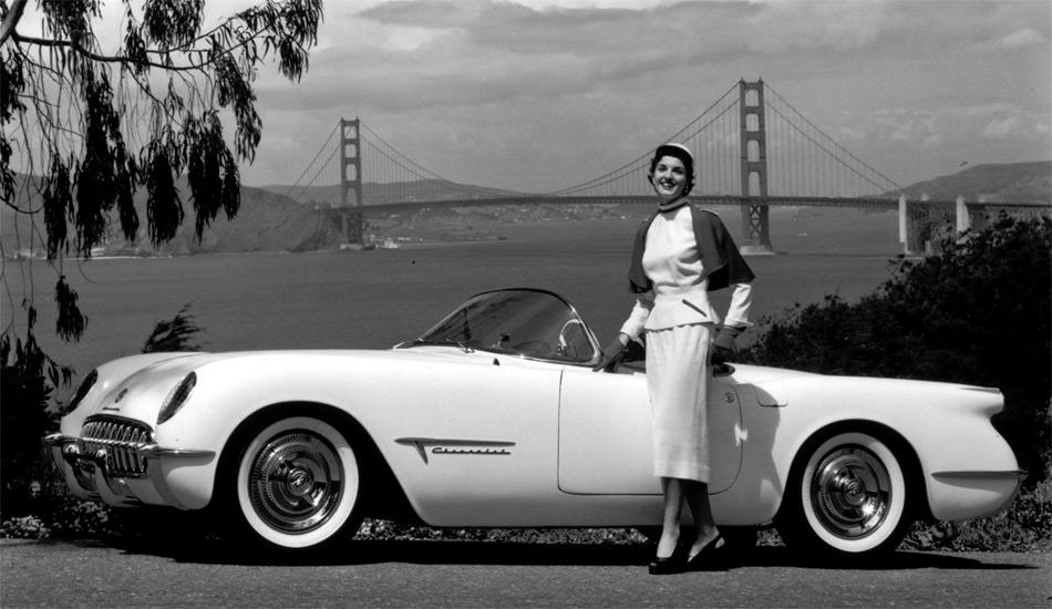 Die erste Corvette war noch mit einem 6-Zylinder und einer 2-Gang-Powerglide bestückt.