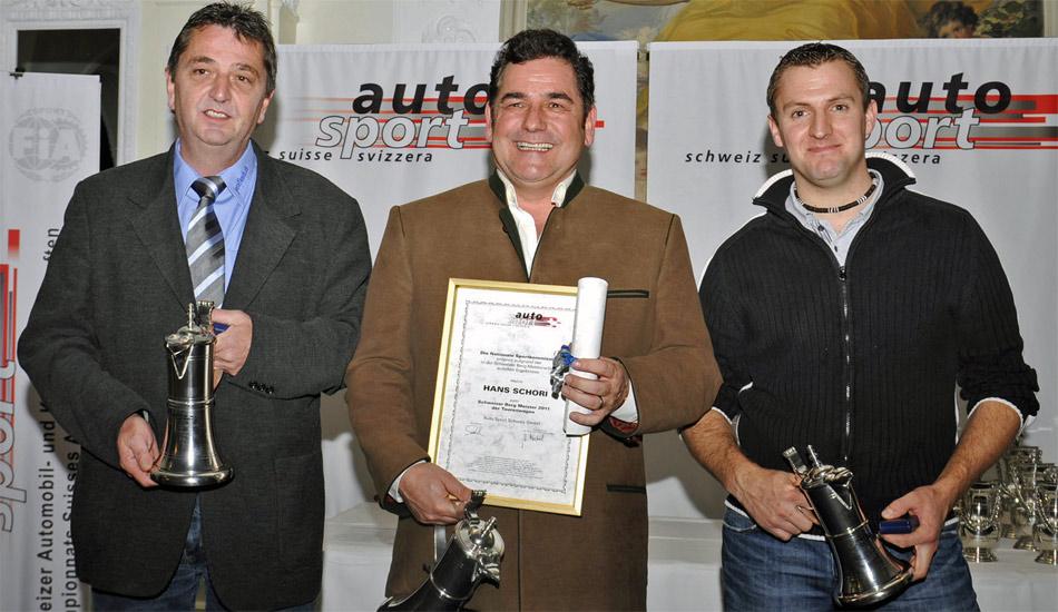 Schweizer Bergmeisterschaft Tourenwagen: Sieger Hans Schori (Mitsubishi Evo RS, Mitte), 2. Rang Josef Koch (Opel Kadett C 16V, links), 3. Rang Roger Schnellmann (Mitsubishi Evo VIII).