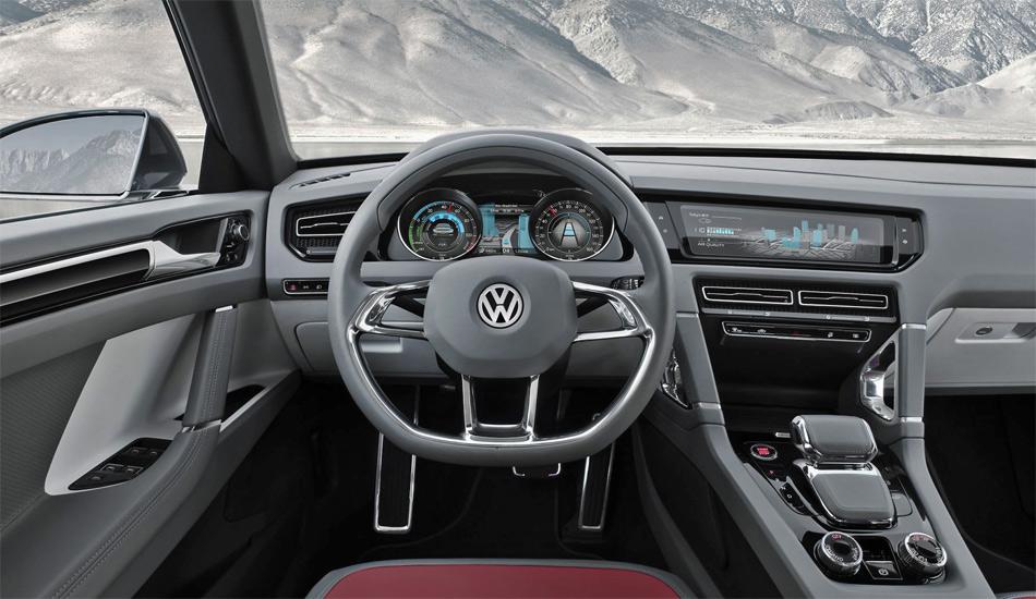 Das neue Cockpit der Studie VW Cross Coupé zeichnet sich durch modernes Design und gute Funktionalität aus.