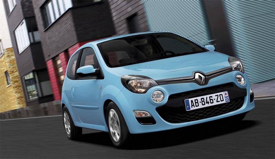 Das neue Gesicht und die hellblaue Farbe stehen dem facegelifteten Renault Twingo gut.