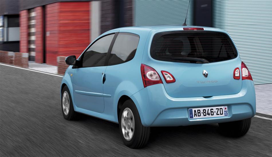 Von hinten ist der neue Renault Twingo durch die zweigeteilten Rückleuchten erkennbar.