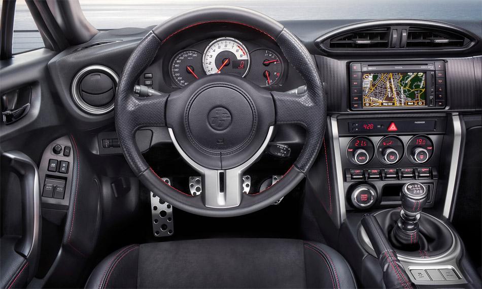 Im teureren Toyota GT86 gibt es serienmässig den Toyota Touch Monitor. Dafür kostet das im Bild gezeigte Leder/Alcantara-Interieur CHF 2400 Aufpreis.