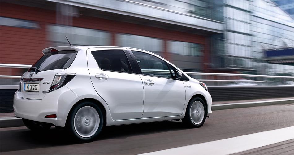 Das Platzangebot und das Ladevolumen des Yaris Hybrid ist zum Benziner unverändert.