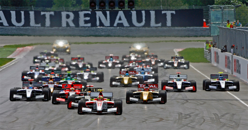 Gutes Feld, attraktives Auto, spannende Rennen: Start zum WSR-Lauf auf dem Moskau Raceway.