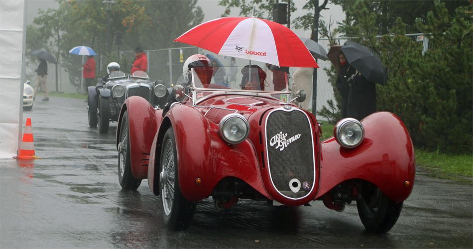 Beim Training war das Wetter bescheiden bei der Arosa ClassicCar 2012, der guten Stimmung tat das aber keinen Abbruch.