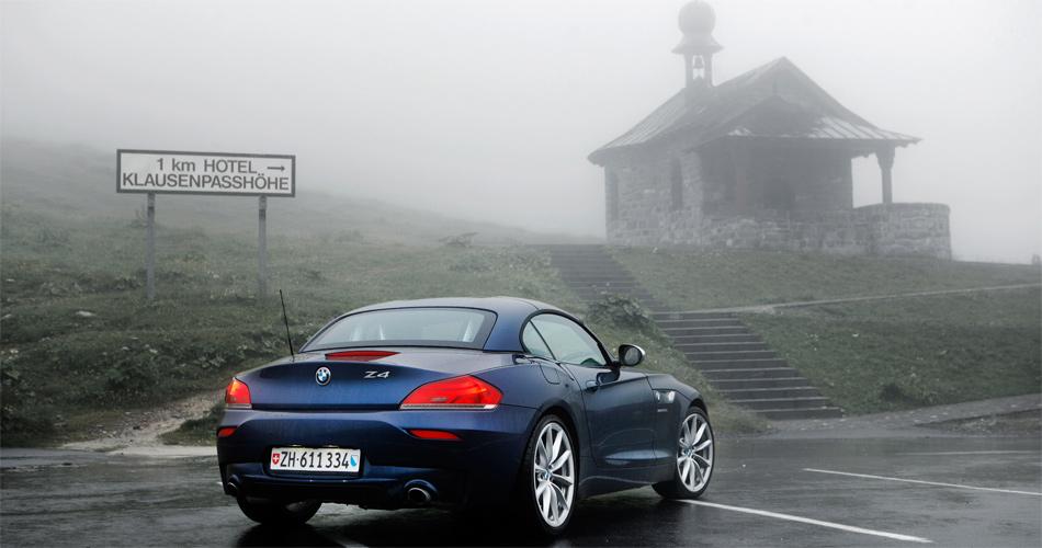 Mit dem BMW Z4 war die Fahrt über den Klausenpass auch oder gerade wegen des schlechten Wetters ein einzigartiges Erlebnis.