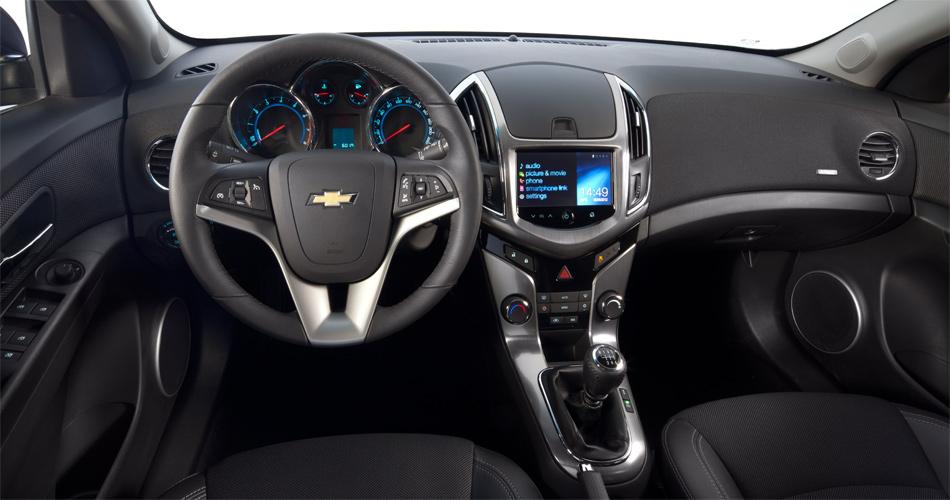 Der neue Chevrolet Cruze Station Wagon weiss auch im Interieur mit einem attraktiven und keineswegs billig anmutenden Cockpit zu gefallen.