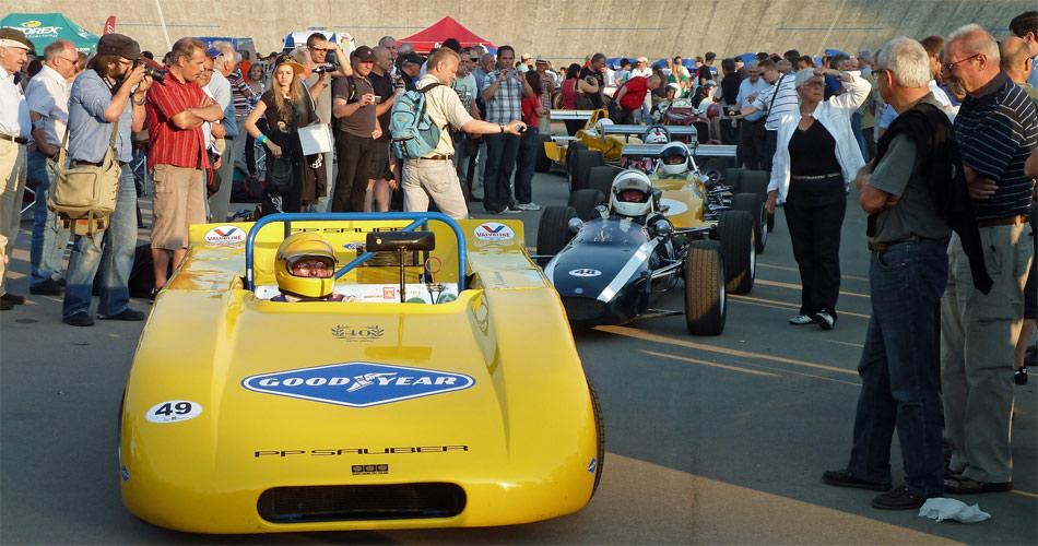 Im offenen Fahrerlager konnten die Rennklassiker wie dieser Sauber C1 aus nächter Nähe betrachtet werden.
