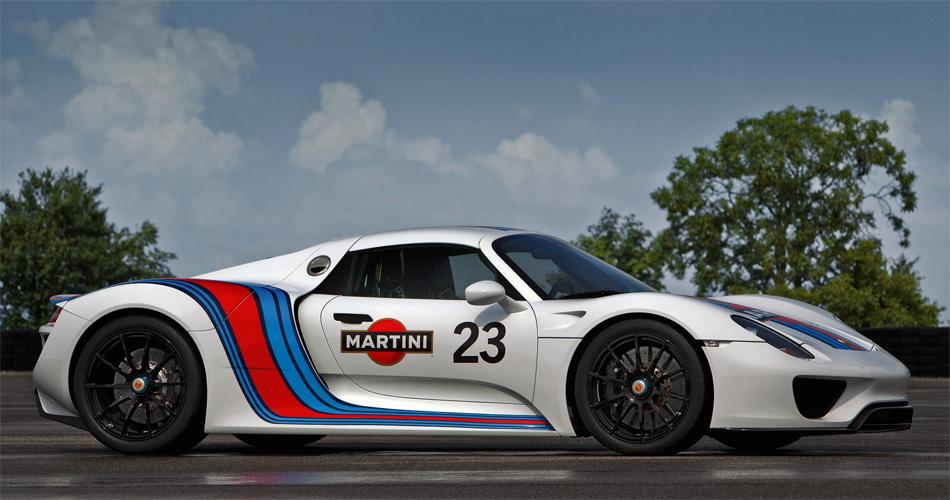 Der Porsche 918 wird ein Hochleistungs-Supersportwagen mit modernster Hybridtechnik sein.