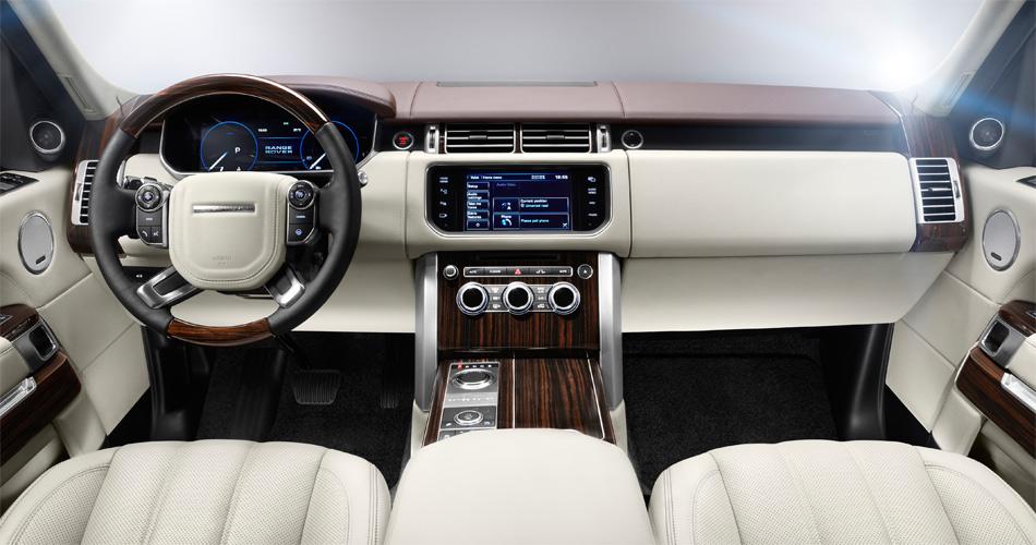 Im Interieur des neuen Range Rover wird ultimativer Luxus und eine deutlich verbesserte Geräuschdämmung geboten.
