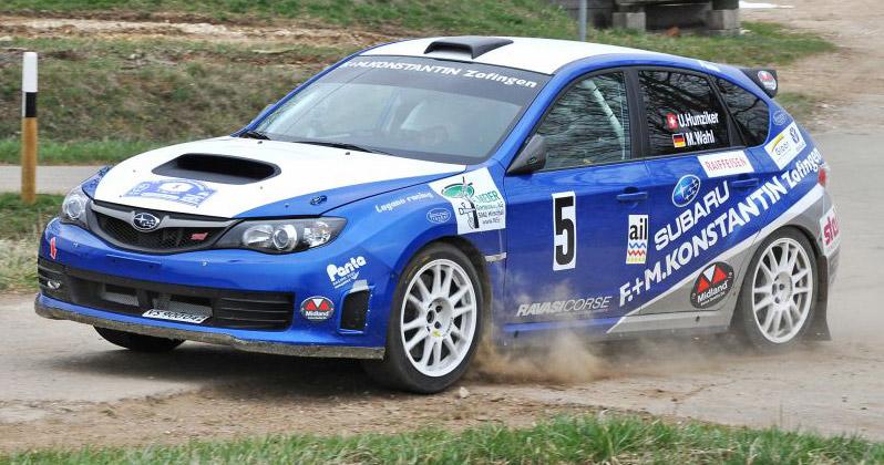 Der Aargauer Urs Hunziker ist nach der ersten Etappe mit seinem Subaru WRX STI der erste Leader der Gruppe N.