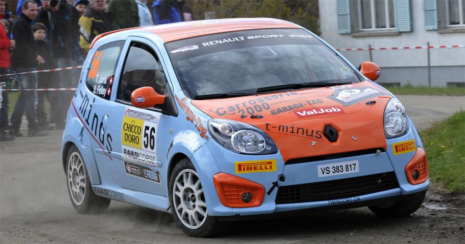 Thomas Joris ist mit seinem Renault Twingo R1 Leader der erstmals ausgetragenen Schweizer Junior Rallyemeisterschaft.