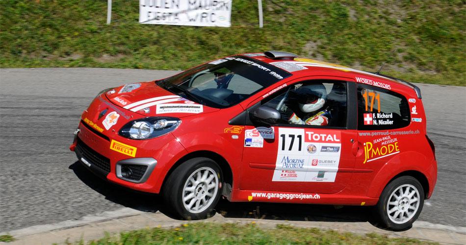 Als aktuell Zweiter der neuen Schweizer Junior Rallyemeisterschaft verfügt Fabien Richard mit seinem Renault Twingo R1 nach wie vor über intakte Titelchancen.