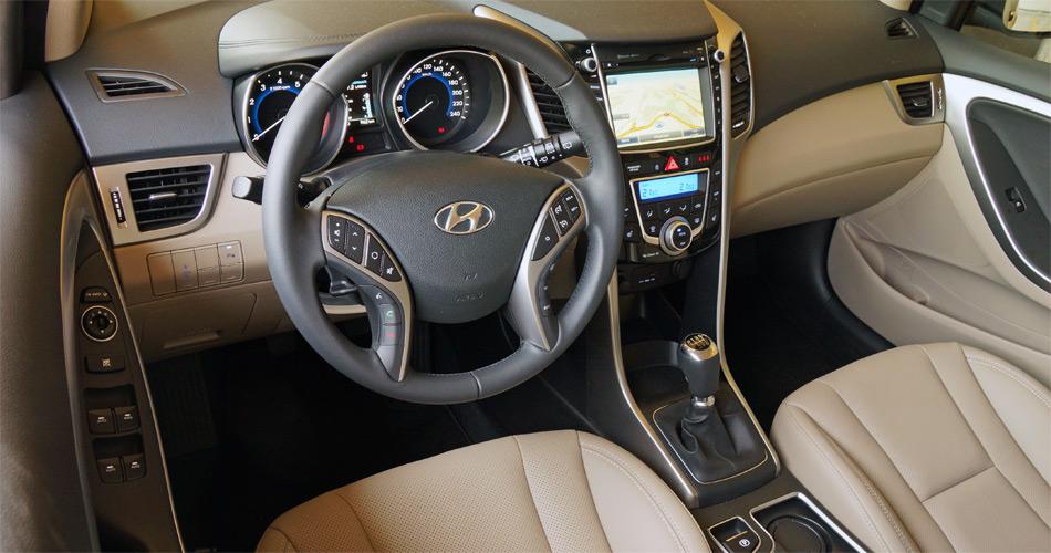 Im modernen Cockpit des Hyundai i30 fühlt man sich auf Anhieb wohl.