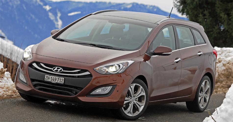 Mit seinem frischen Design ist der neue Hyundai i30 eine poristive Erscheinung im modernen Strassenbild