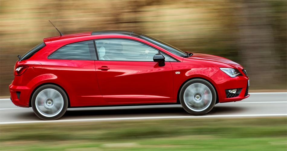 Mit nur drei Türen versucht der Seat Ibiza Cupra den Spagat zwischen Kleinwagen und Sportcoupé.