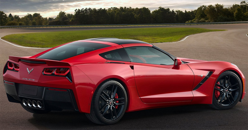 Die neue Corvette C7 Stingray ist ein ernstzunehmender Hochleistungssportler mit moderner Technik.