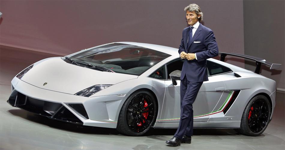 Lamborghini-Chef Stephan Winkelmann präsentiert den Gallardo Squadra Corse an der IAA 2013