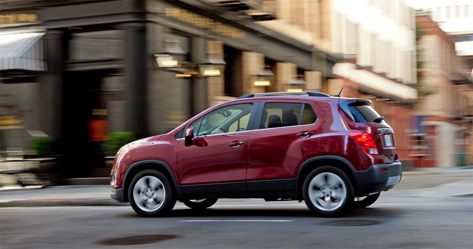Der kleine SUV Chevrolet Trax macht gute Figur im Grossstadtdschungel.