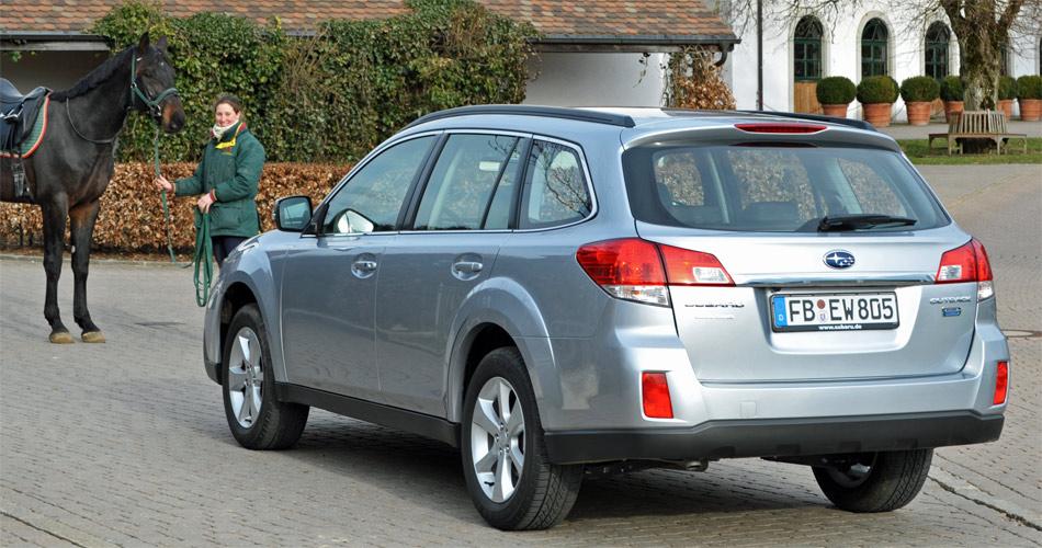 Der Subaru Outback 4WD vereint als erstes Modell das Diesel-Boxer-Triebwerk und die neue Lineartronic-Automatik.