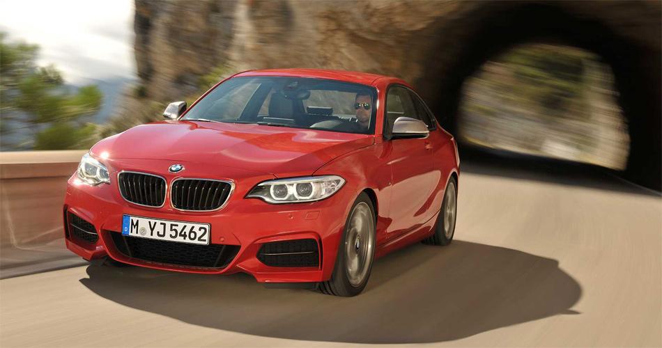 Der mit dem 1er nah verwandte neue BMW 2er bemüht sich optisch um maximale Individualität.
