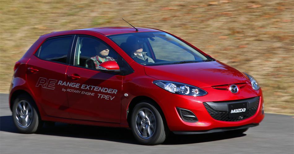 Der elektrische Mazda2 überzeugt mit gutem Temperament und einem rffinierten Wankel-Range Extender.