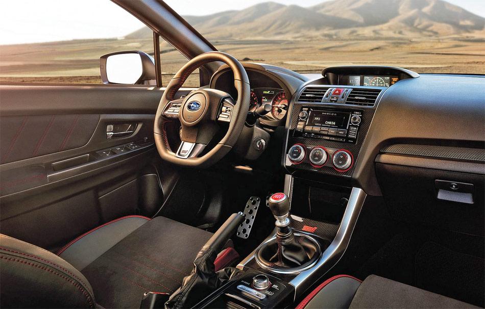 Das neue Cockpit des Subaru WRX STi verströmt viel sportliches Flair.