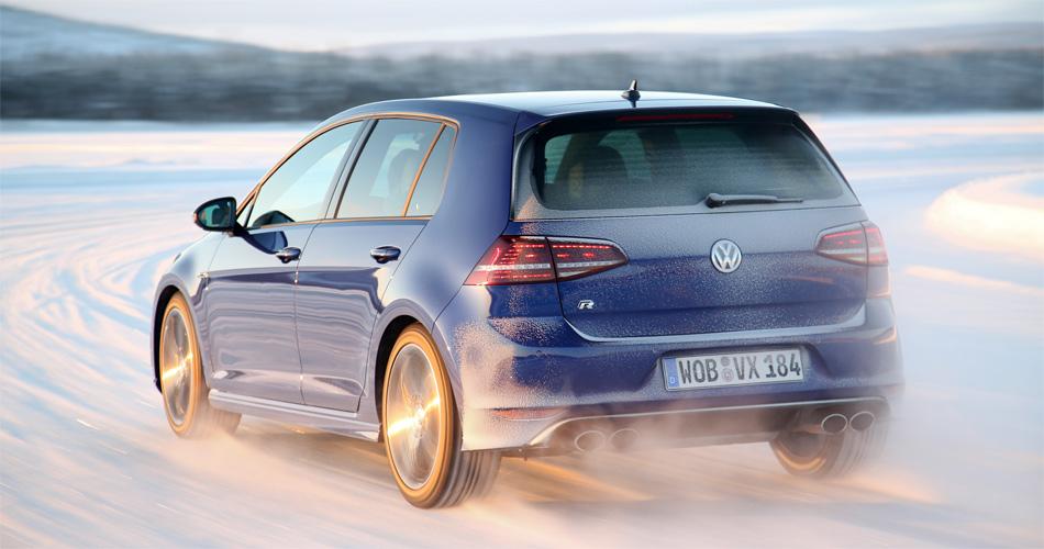 Allrad-Antrieb, ein sattes Drehmoment in allen Lebenslagen und diverse Fhrprogramme machen den VW Golf R zum Schneekönig.