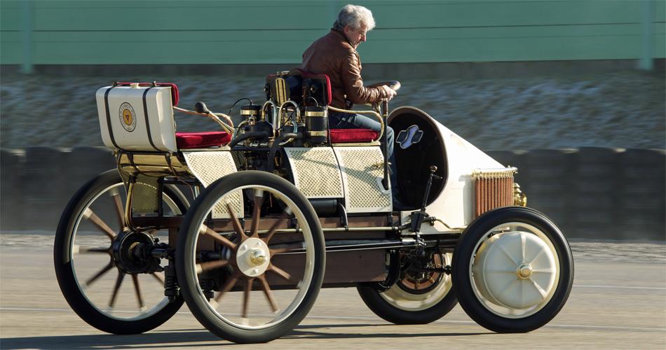 Der berühmte Lohner Porsche von 1900 mit elektrischen Radnaben-Motoren und einem Benzinmotor war das erste Elektrofahrzeug mit Range-Extender.