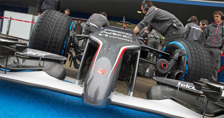 Die neuen Formel 1-Fahrzeuge verfügen über sehr gewöhnungsbedürftige Nasen, das gilt auch für den Sauber C33-Ferrari.